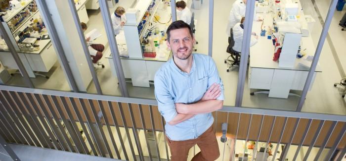 """Daniël Warmerdam: """"Als onderzoeksbioloog bedenk je op celniveau de therapie om ziektes te genezen."""""""